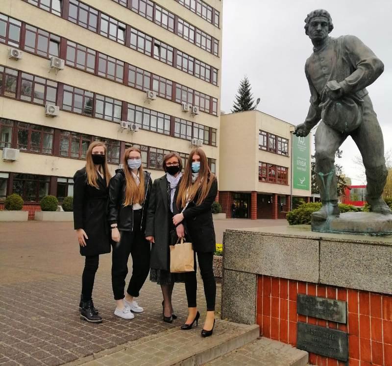 Sukces dziewcząt na Olimpiadzie Wiedzy i Umiejętności Rolniczych